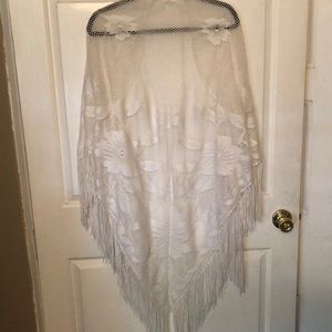 Vintage white shawl